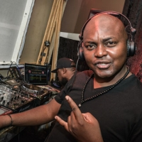 DJ-Euphonik-at-Discovery-Networks-Upfront-2013
