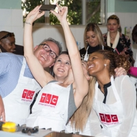 Cake-decorating-workshop-at-Buddy-Valstro-Client-Event-(1)