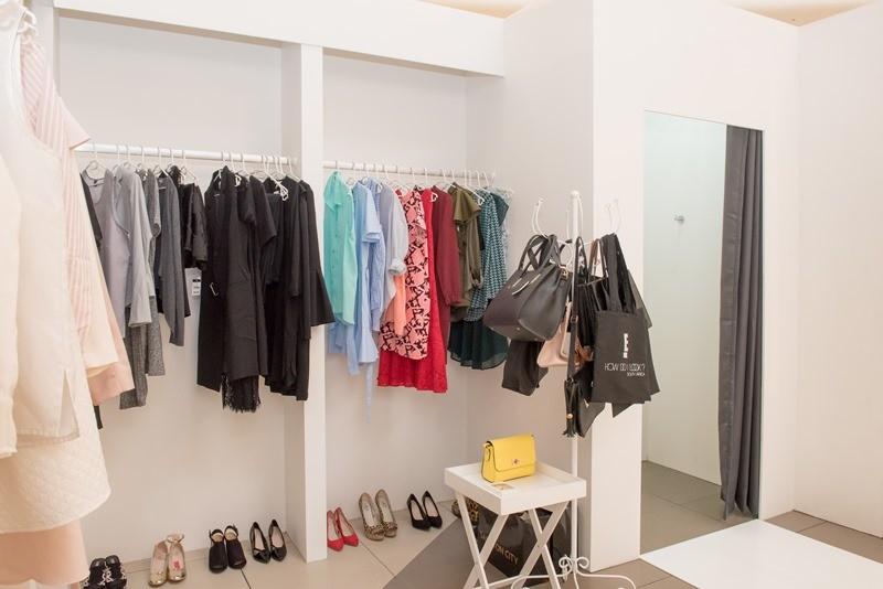 How do I look dressing room
