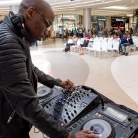 How Do I Look DJ