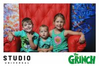 Photo Booth Fun At The Grinch Movie Screening