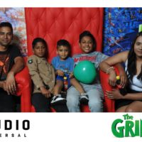 Families Snapping Pics At The Grinch Exclusive Movie Screening