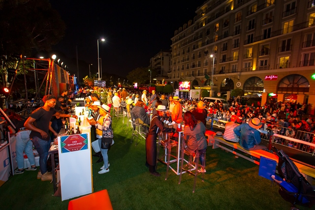 Hustle and bustle at the Cape Town Carnival